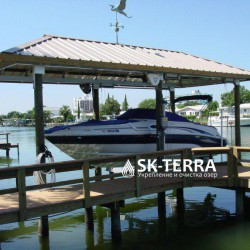 sheltered-boat-lift-26793-7152317