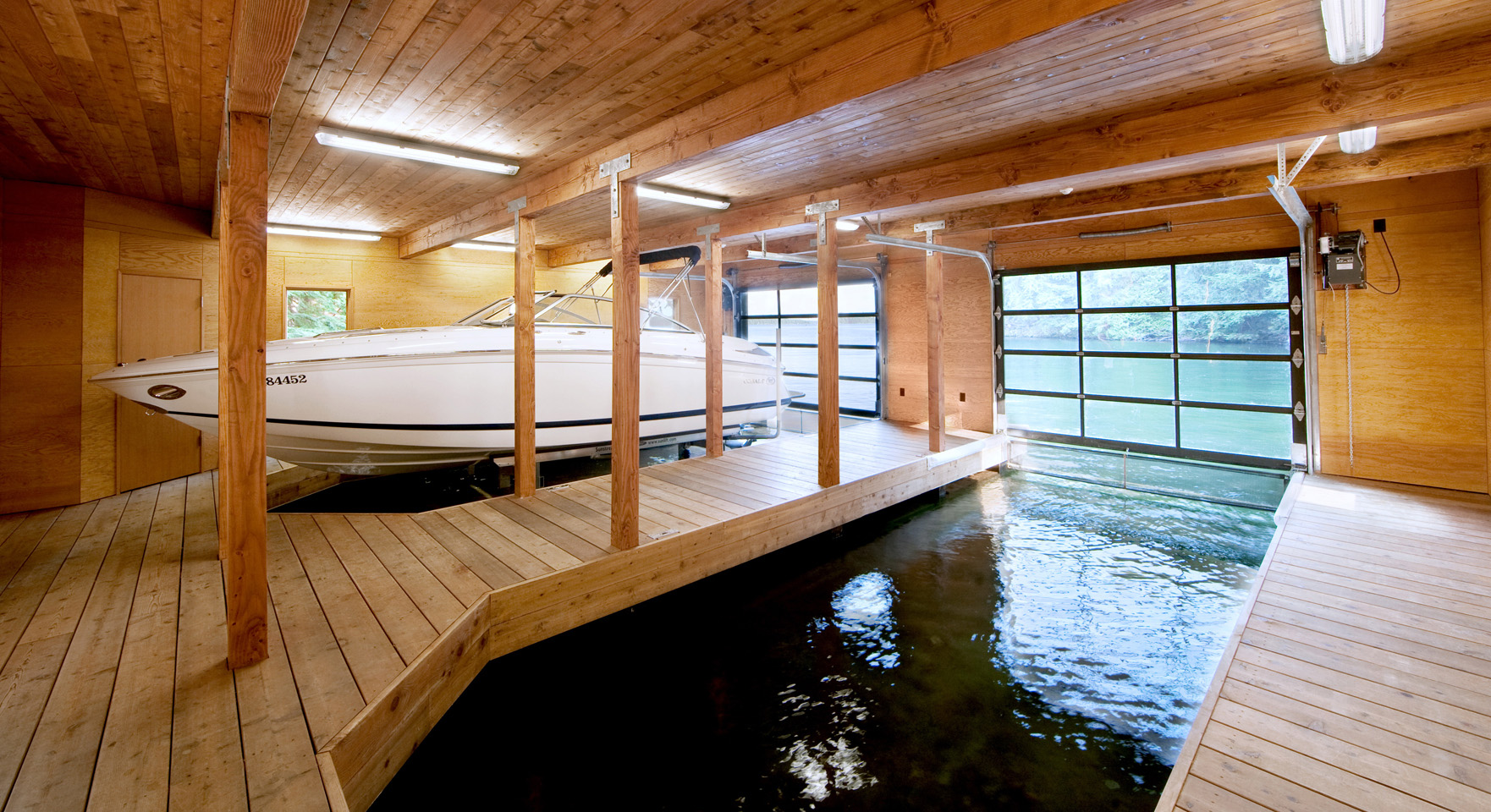 Boathouse-in-Muskoka-Lakes-021